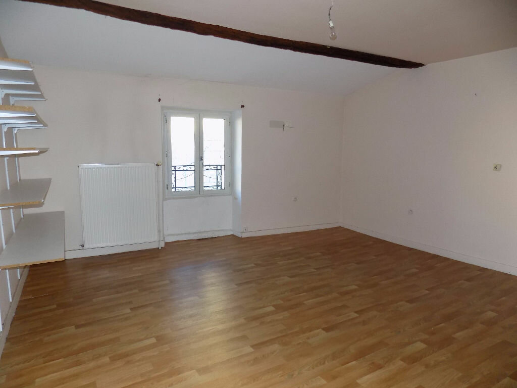 Maison à louer 3 85m2 à Parthenay vignette-6