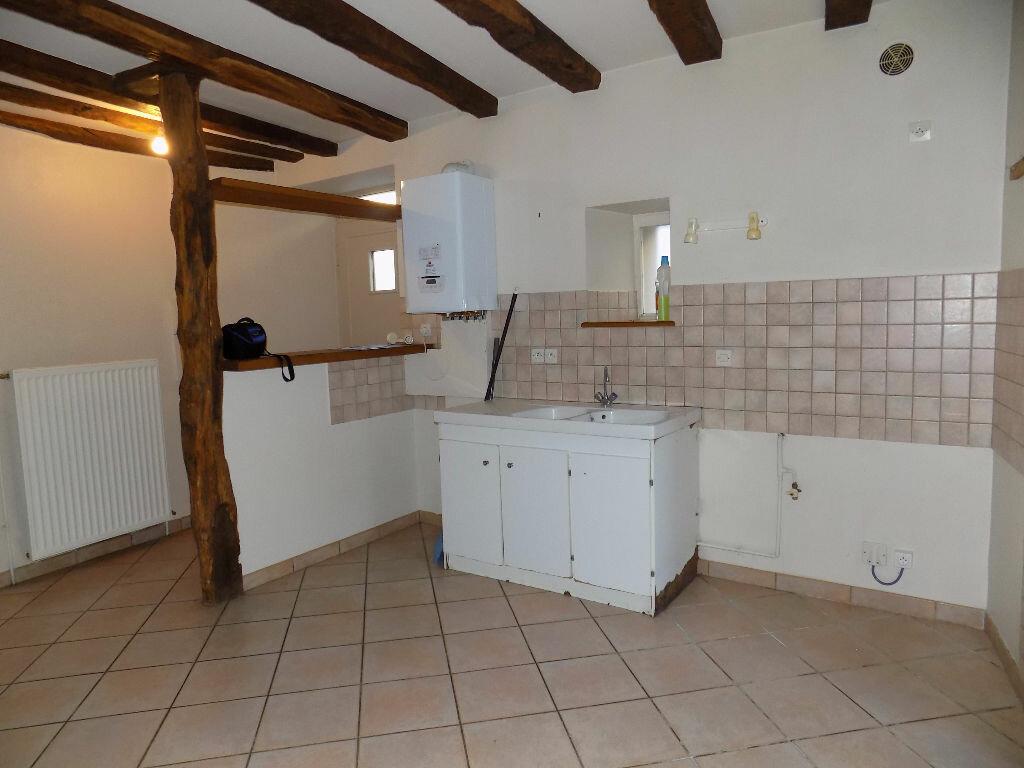 Maison à louer 3 85m2 à Parthenay vignette-11