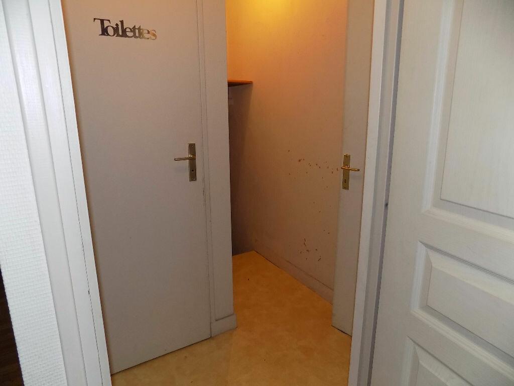 Maison à louer 3 85m2 à Parthenay vignette-12
