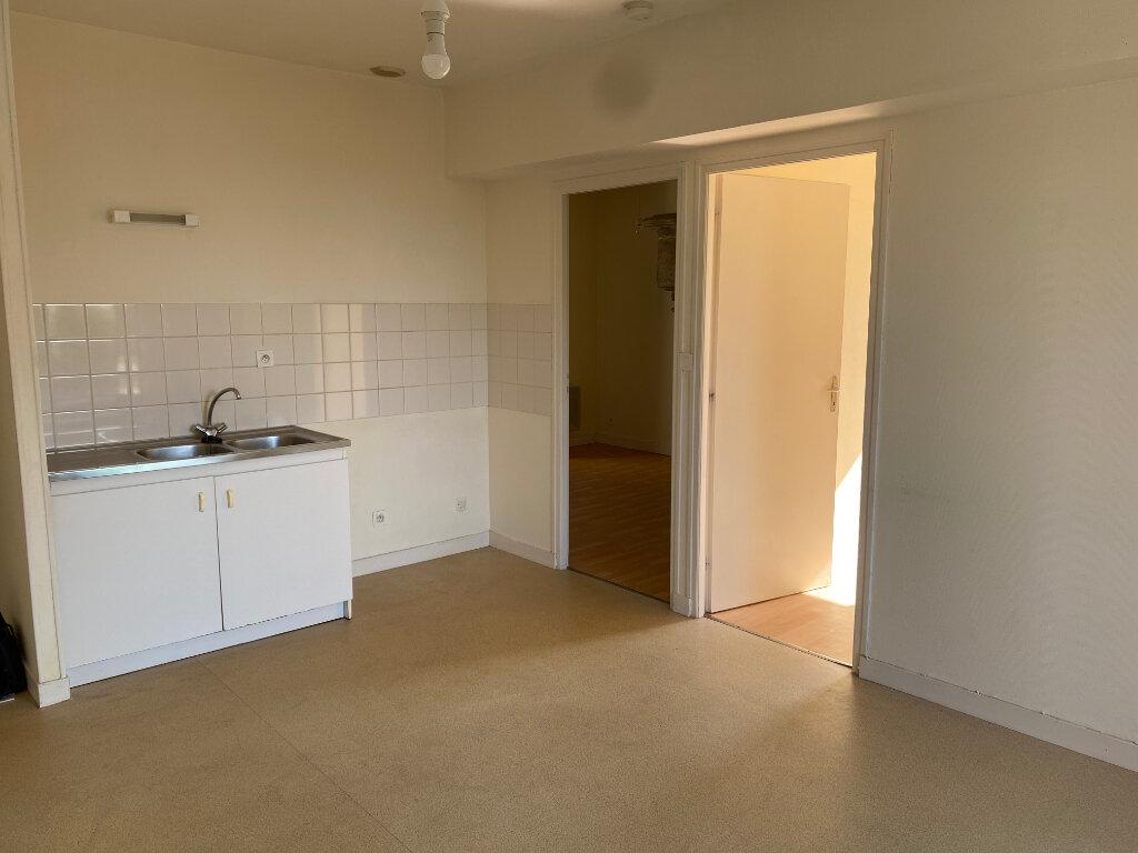 Appartement à louer 3 46m2 à Amailloux vignette-3