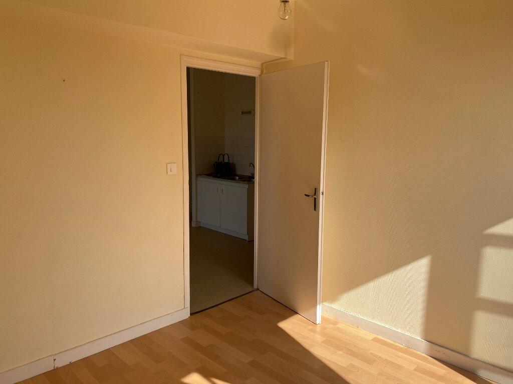Appartement à louer 3 46m2 à Amailloux vignette-5