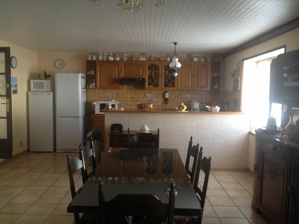 Maison à vendre 7 177m2 à La Ferrière-en-Parthenay vignette-4