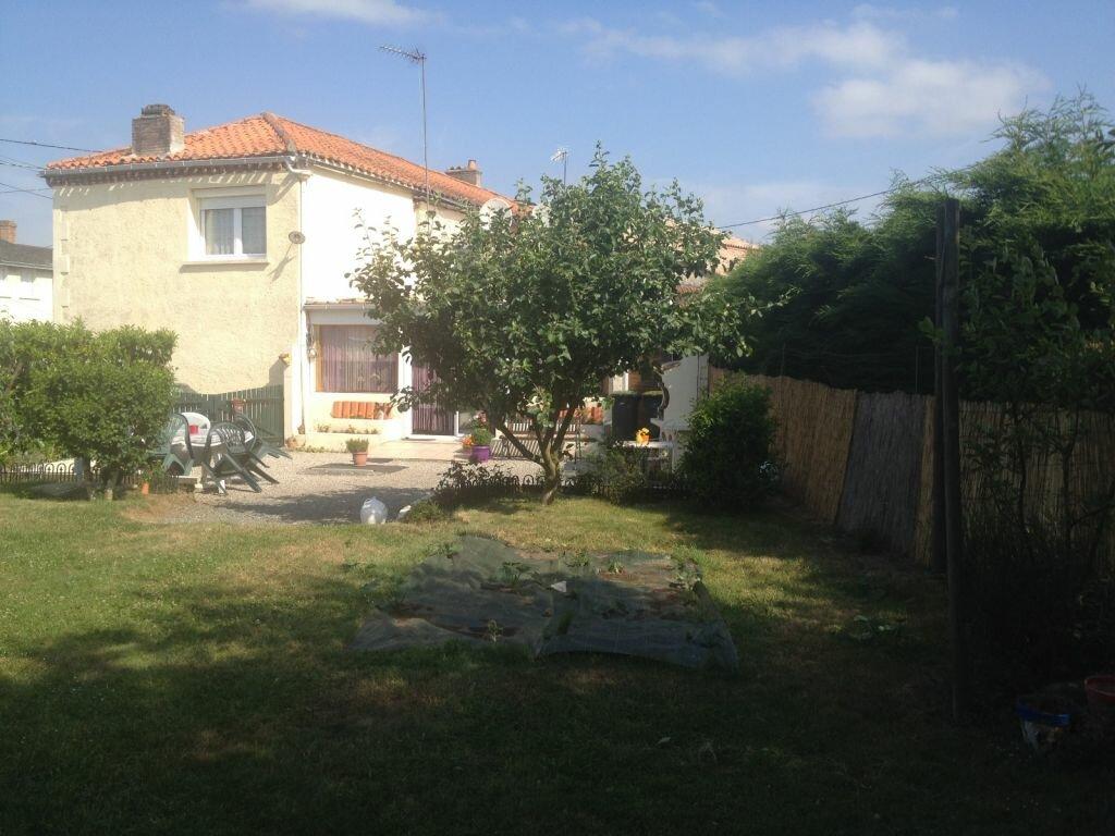 Maison à vendre 7 177m2 à La Ferrière-en-Parthenay vignette-15