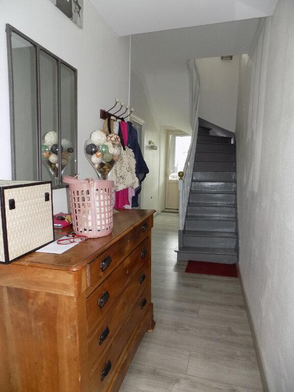 Maison à vendre 8 111m2 à Parthenay vignette-3