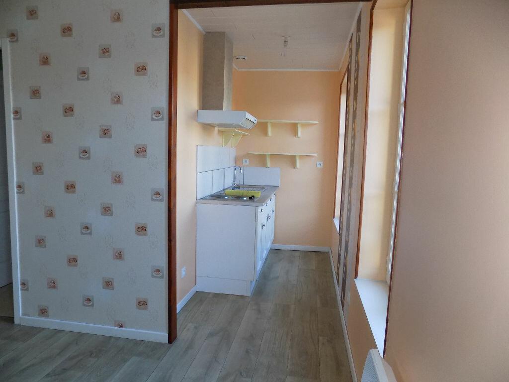 Appartement à louer 2 33m2 à Parthenay vignette-3