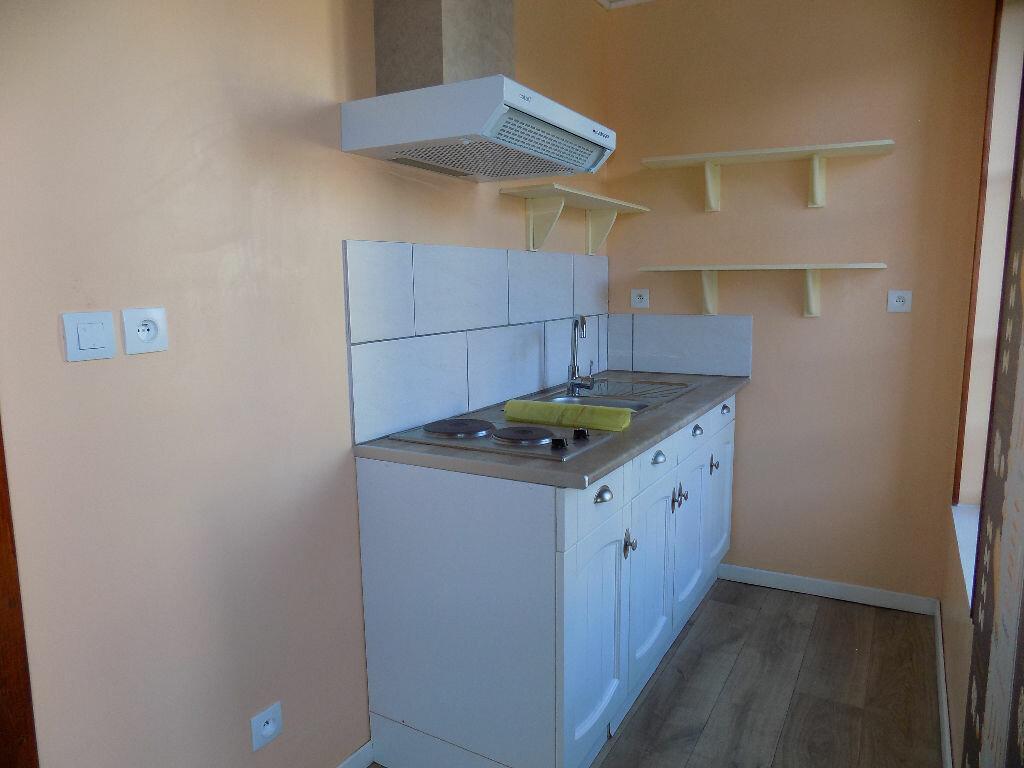 Appartement à louer 2 33m2 à Parthenay vignette-5