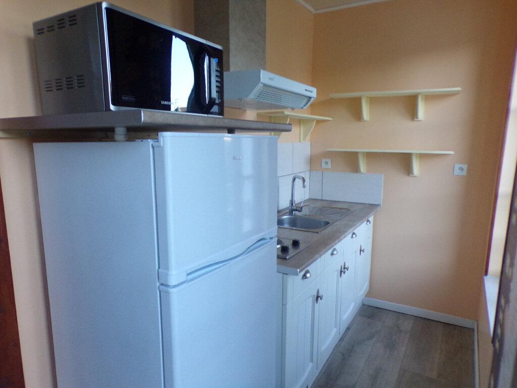 Appartement à louer 2 33m2 à Parthenay vignette-6