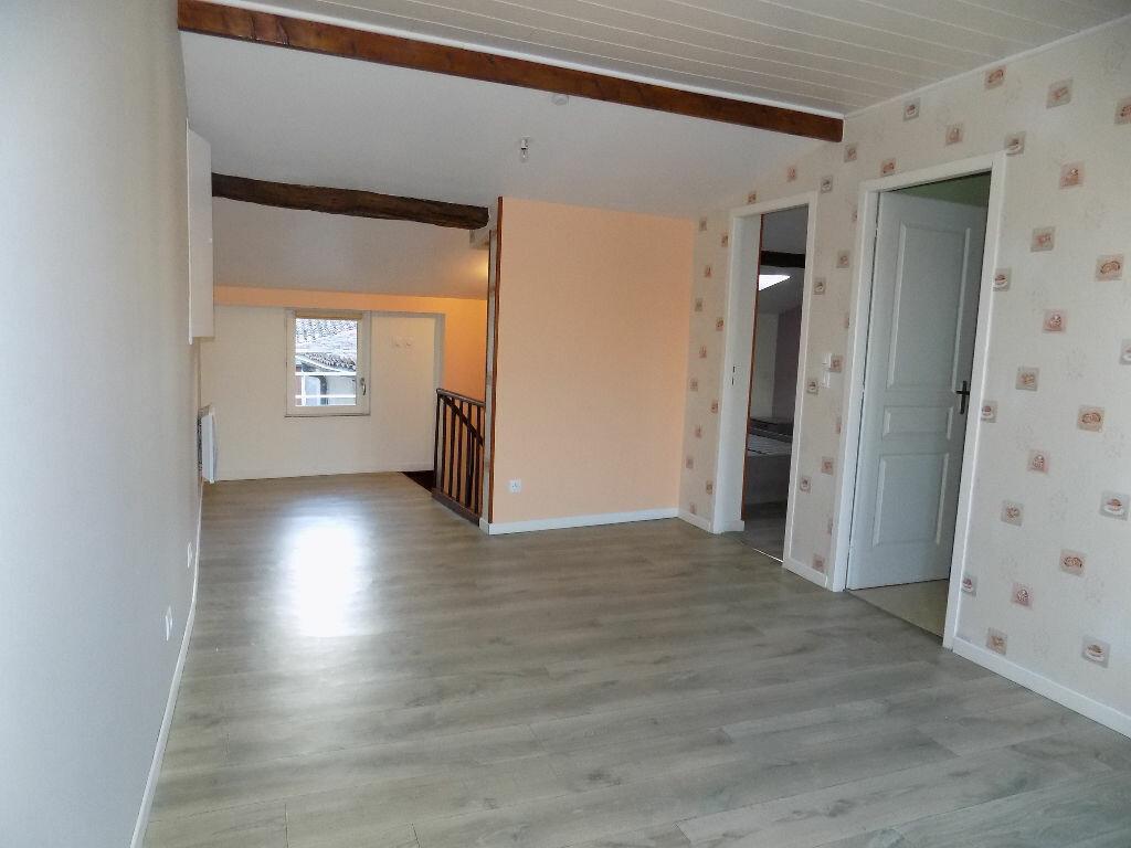 Appartement à louer 2 33m2 à Parthenay vignette-8