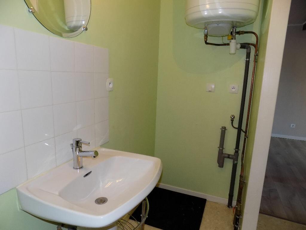 Appartement à louer 2 33m2 à Parthenay vignette-9