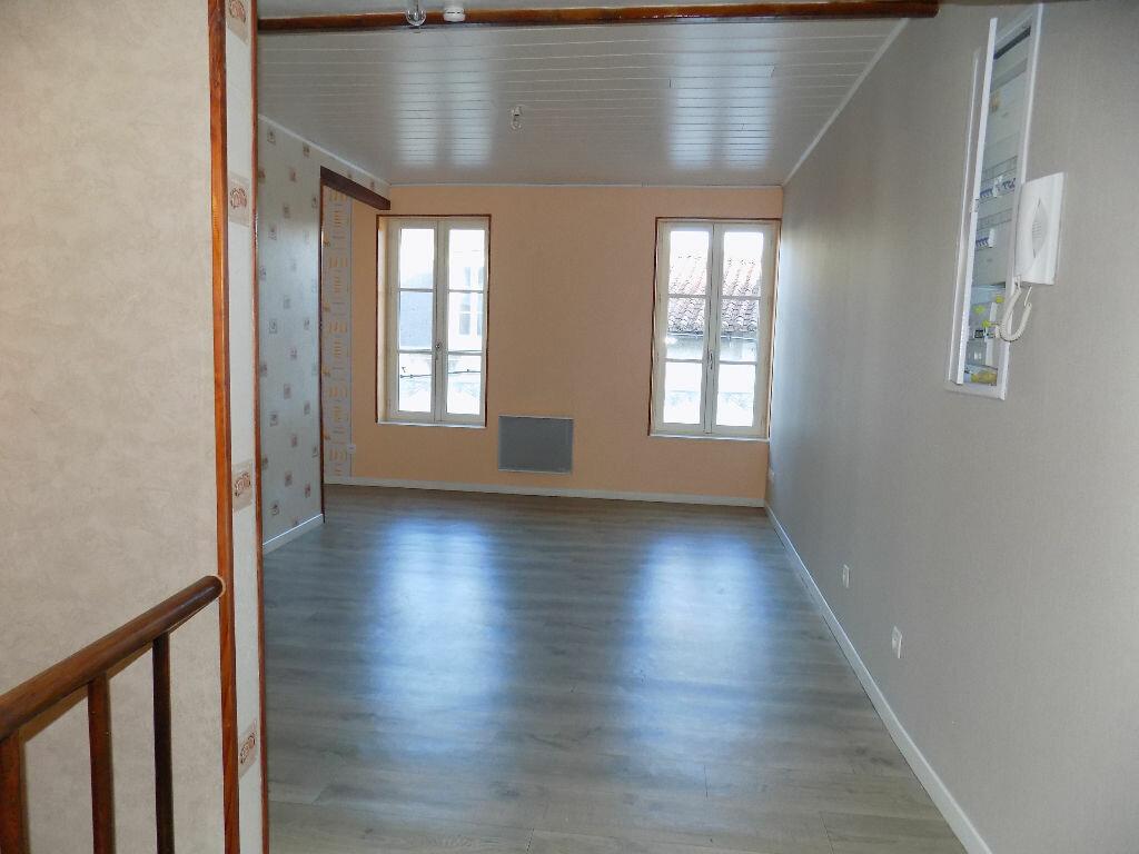 Appartement à louer 2 33m2 à Parthenay vignette-10