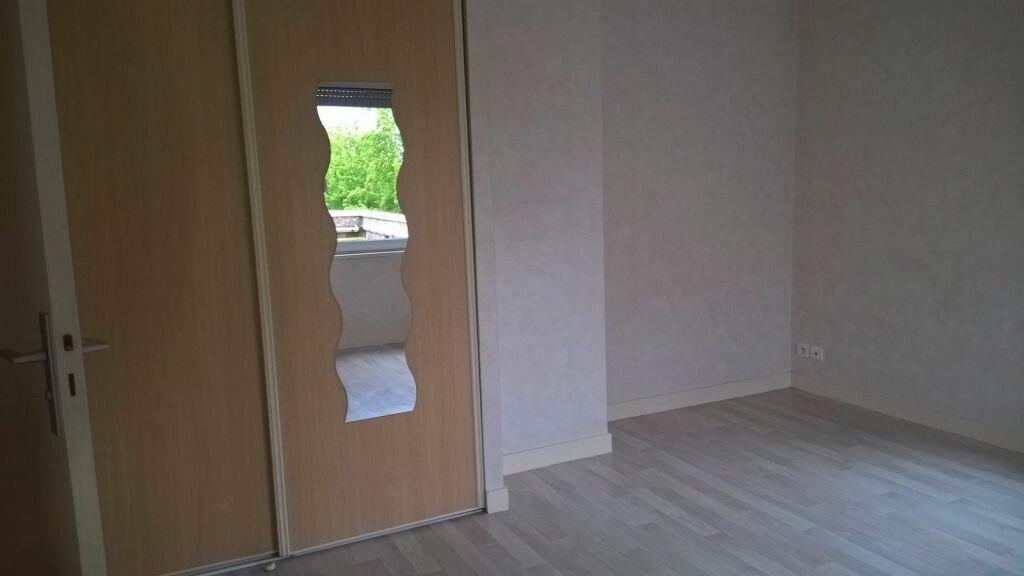 Appartement à louer 6 110m2 à Parthenay vignette-3
