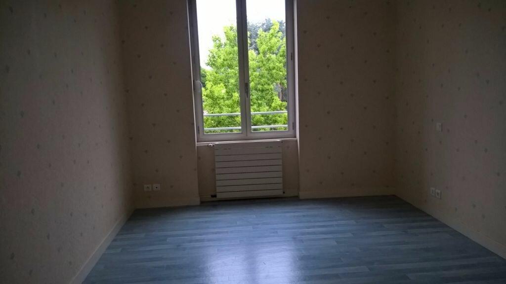 Appartement à louer 6 110m2 à Parthenay vignette-9