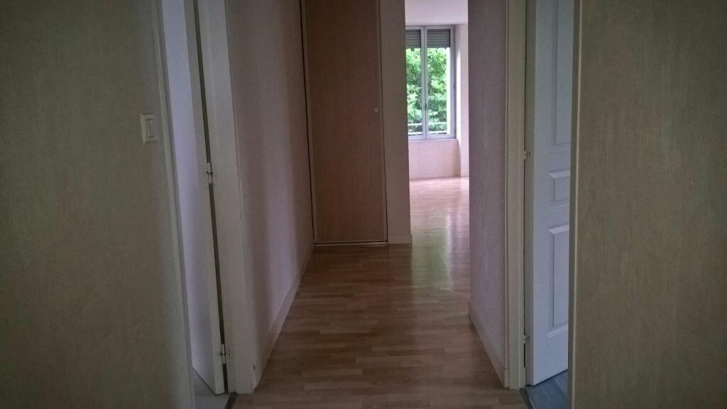 Appartement à louer 6 110m2 à Parthenay vignette-13