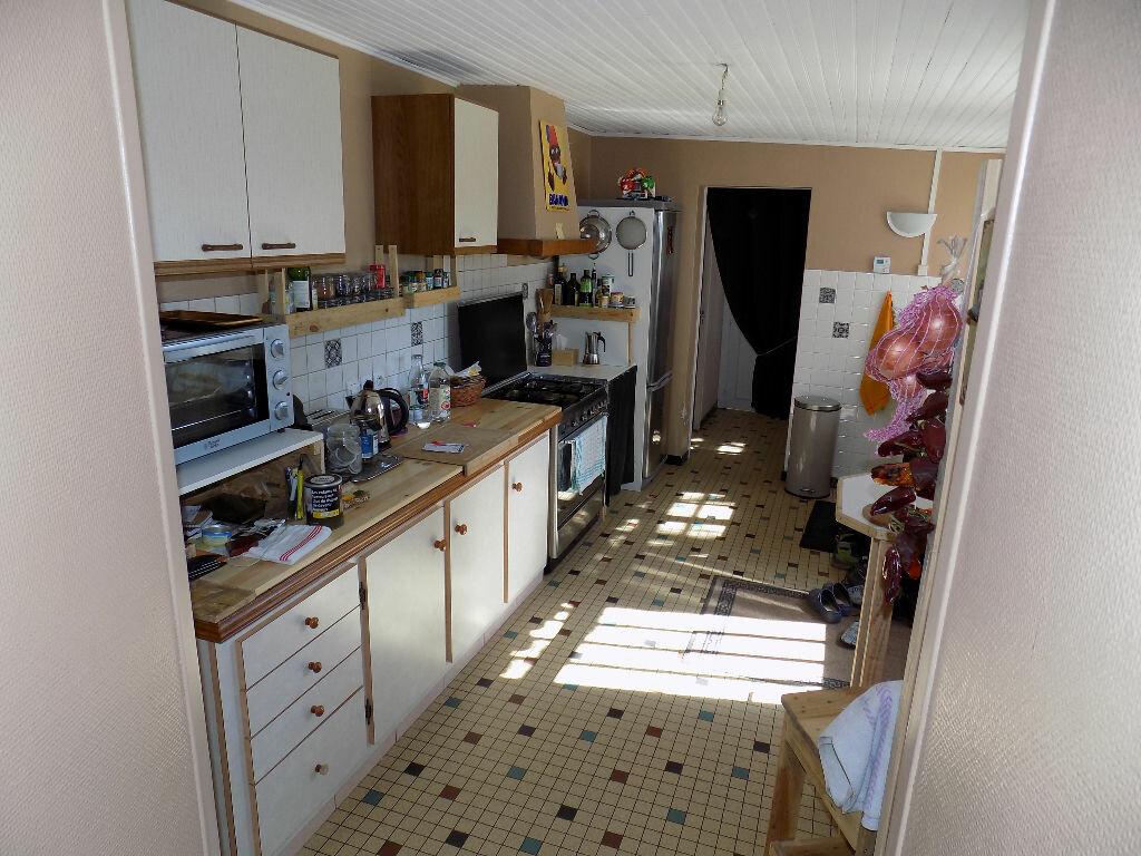 Maison à louer 6 97m2 à La Chapelle-Bertrand vignette-4