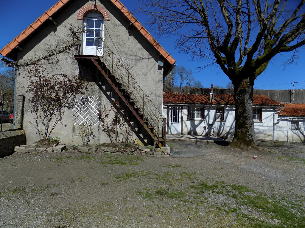 Maison à louer 6 97m2 à La Chapelle-Bertrand vignette-12