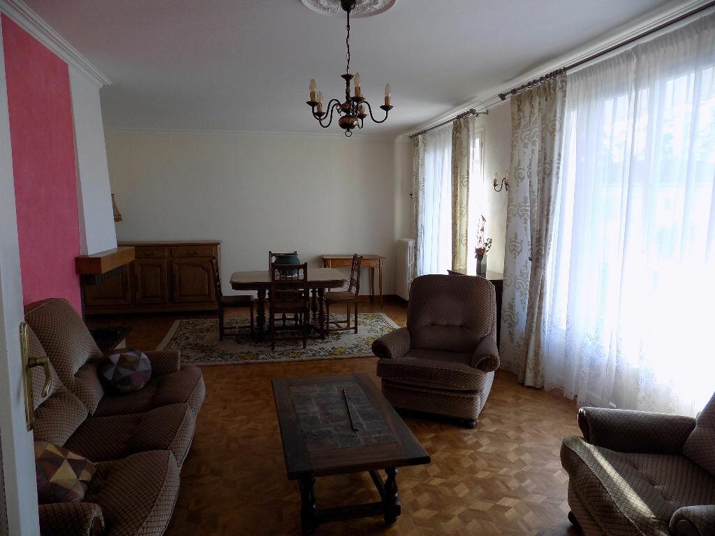 Maison à vendre 6 141m2 à Parthenay vignette-4