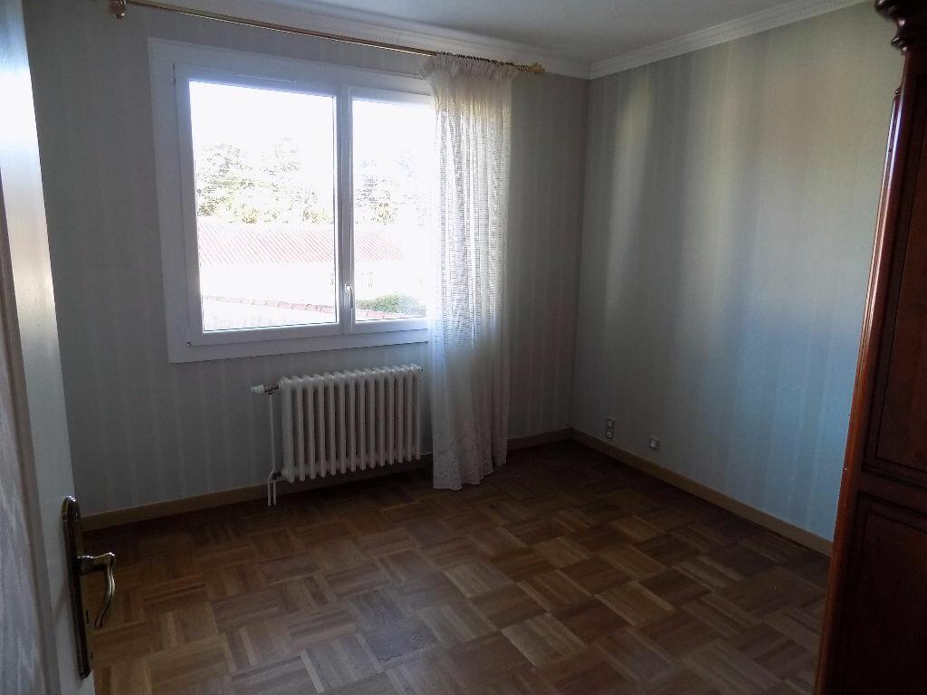 Maison à vendre 6 141m2 à Parthenay vignette-7
