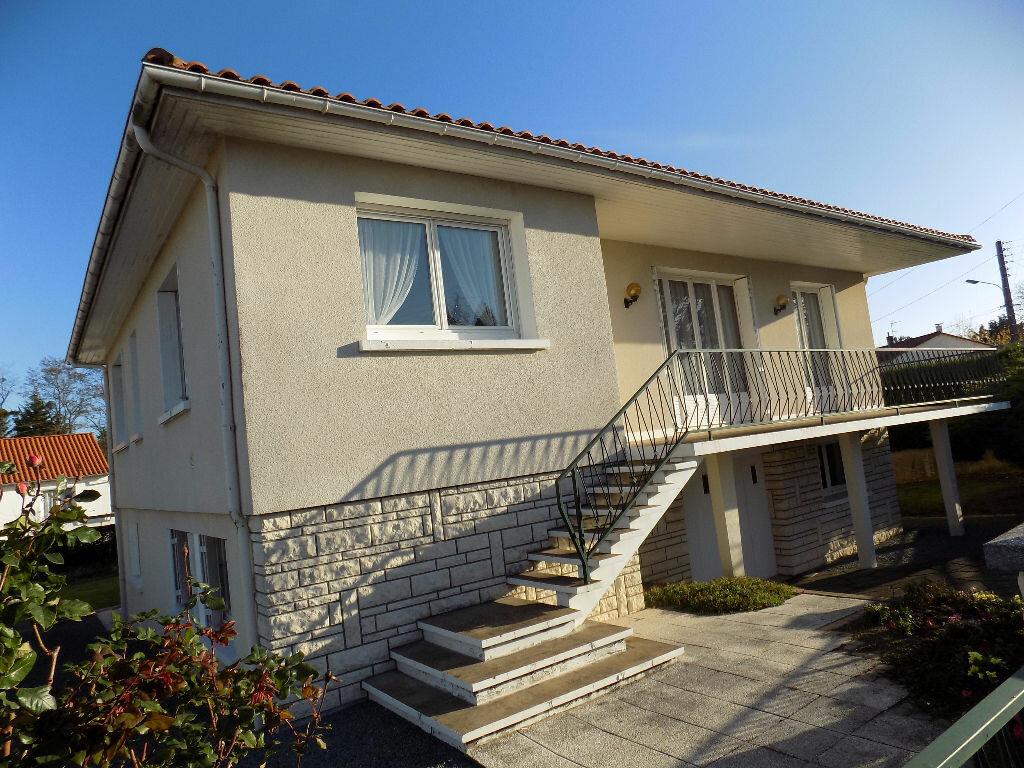 Maison à vendre 6 141m2 à Parthenay vignette-11