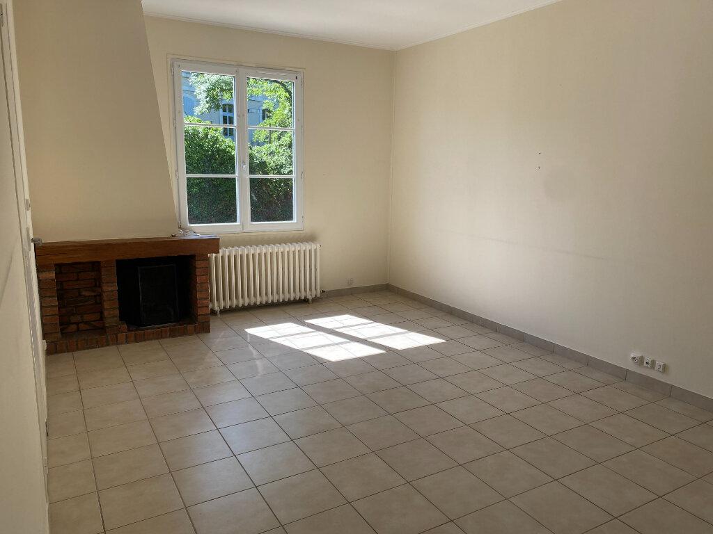 Maison à louer 4 73.84m2 à Saint-Loup-Lamairé vignette-5