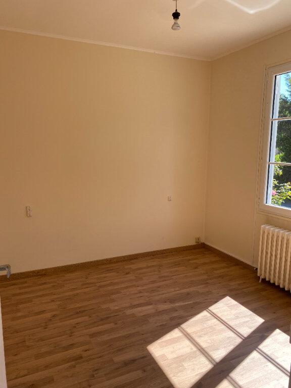 Maison à louer 4 73.84m2 à Saint-Loup-Lamairé vignette-8
