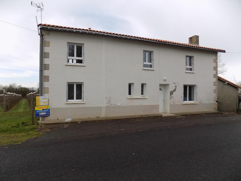Maison à louer 5 113.5m2 à Vouhé vignette-2