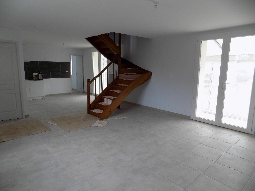 Maison à louer 5 113.5m2 à Vouhé vignette-7