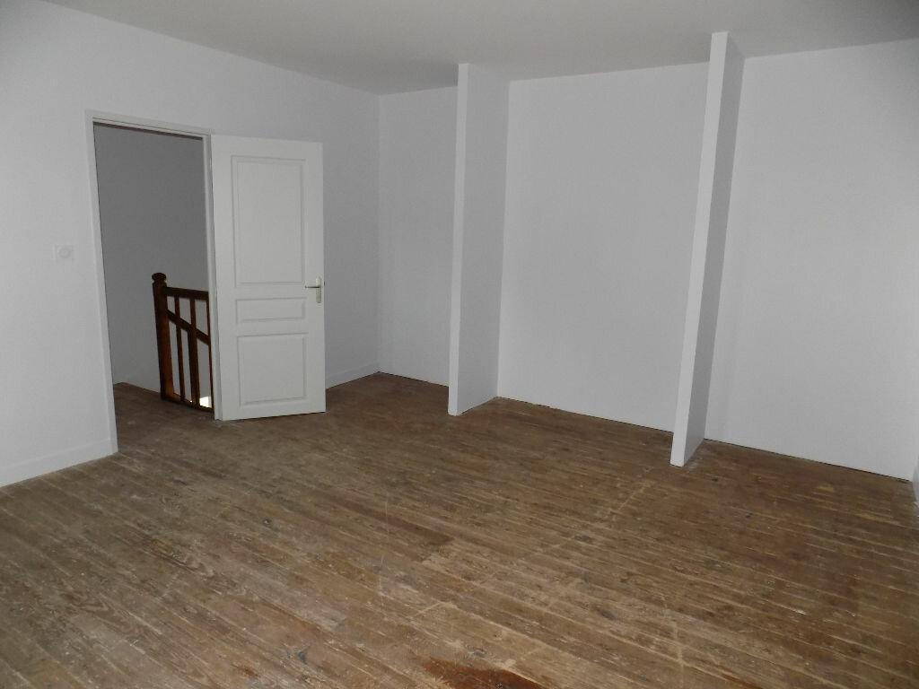 Maison à louer 5 113.5m2 à Vouhé vignette-10