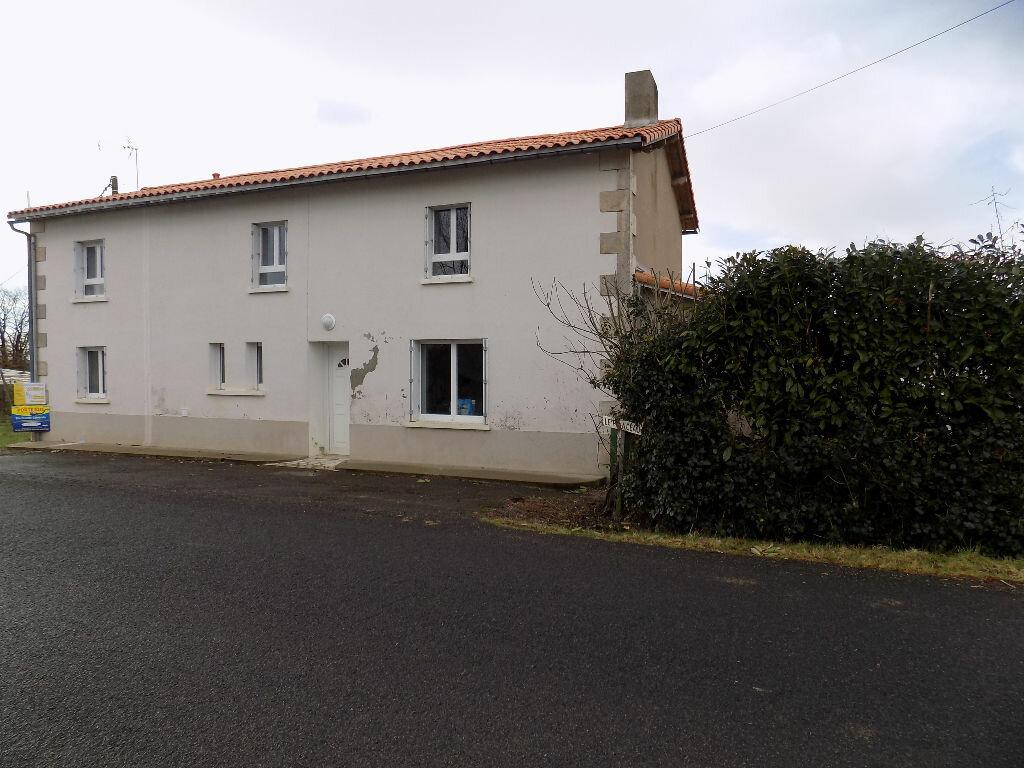 Maison à louer 5 113.5m2 à Vouhé vignette-16