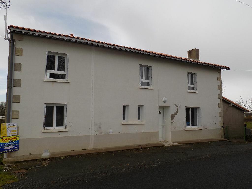 Maison à louer 5 113.5m2 à Vouhé vignette-17