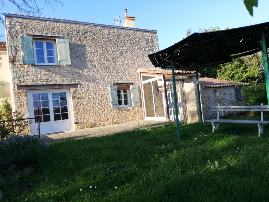 Maison à vendre 6 180m2 à Availles-Thouarsais vignette-3