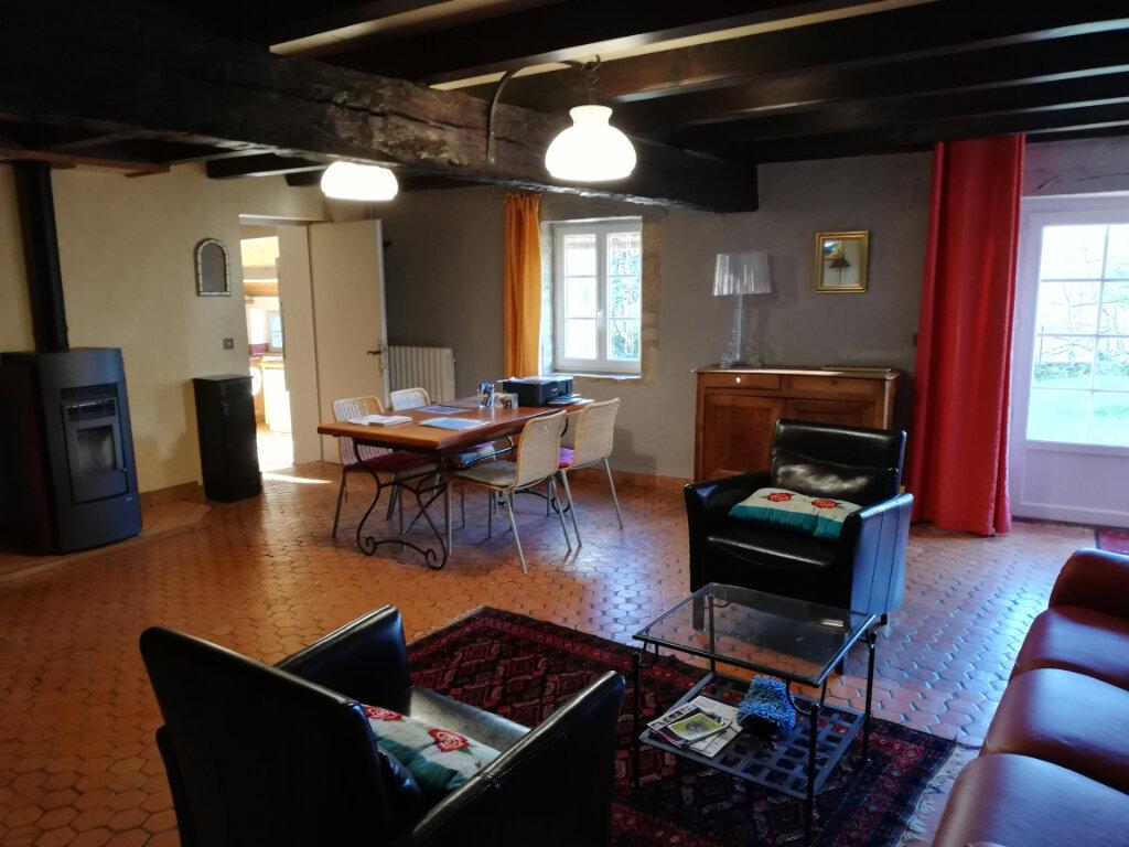Maison à vendre 6 180m2 à Availles-Thouarsais vignette-4