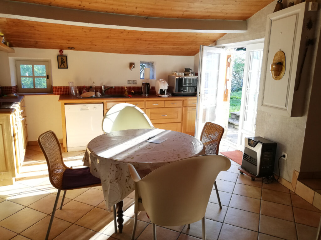 Maison à vendre 6 180m2 à Availles-Thouarsais vignette-5