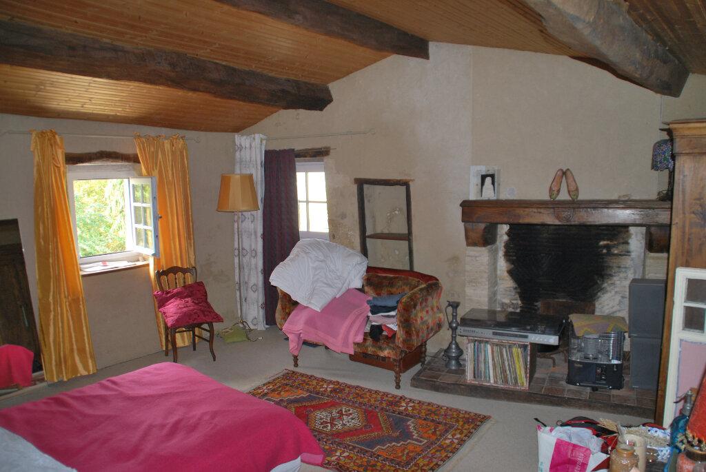 Maison à vendre 6 180m2 à Availles-Thouarsais vignette-9