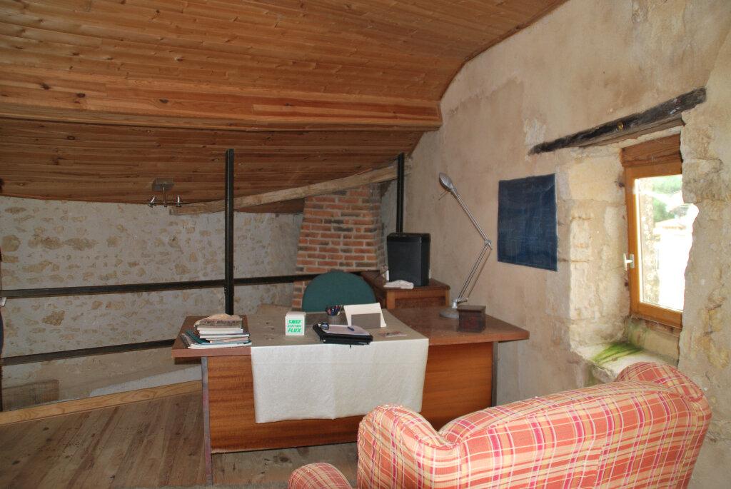 Maison à vendre 6 180m2 à Availles-Thouarsais vignette-11