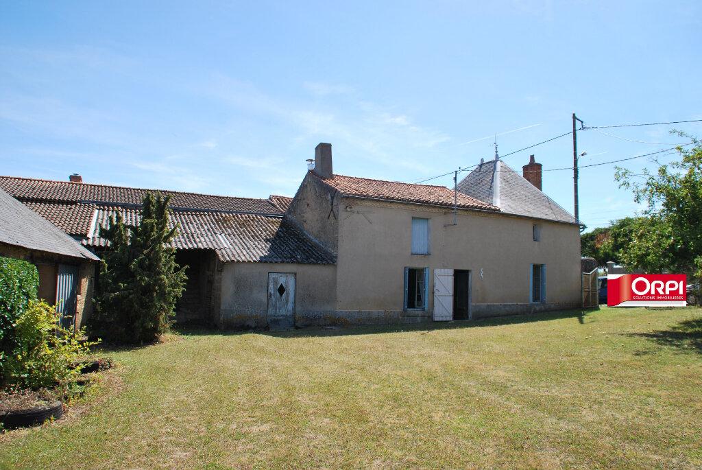 Maison à vendre 4 110m2 à Saint-Jouin-de-Marnes vignette-3