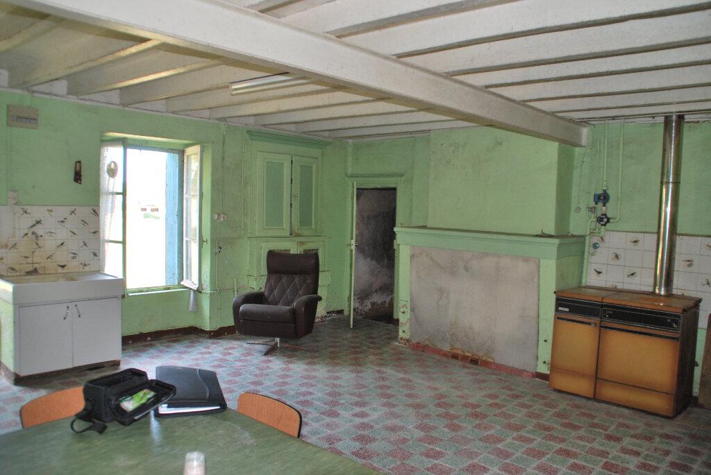 Maison à vendre 4 110m2 à Saint-Jouin-de-Marnes vignette-4