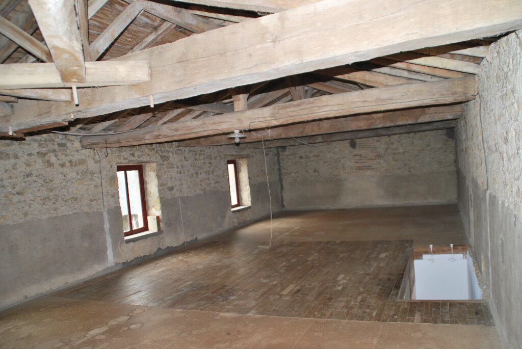 Maison à vendre 5 109.42m2 à Louin vignette-5