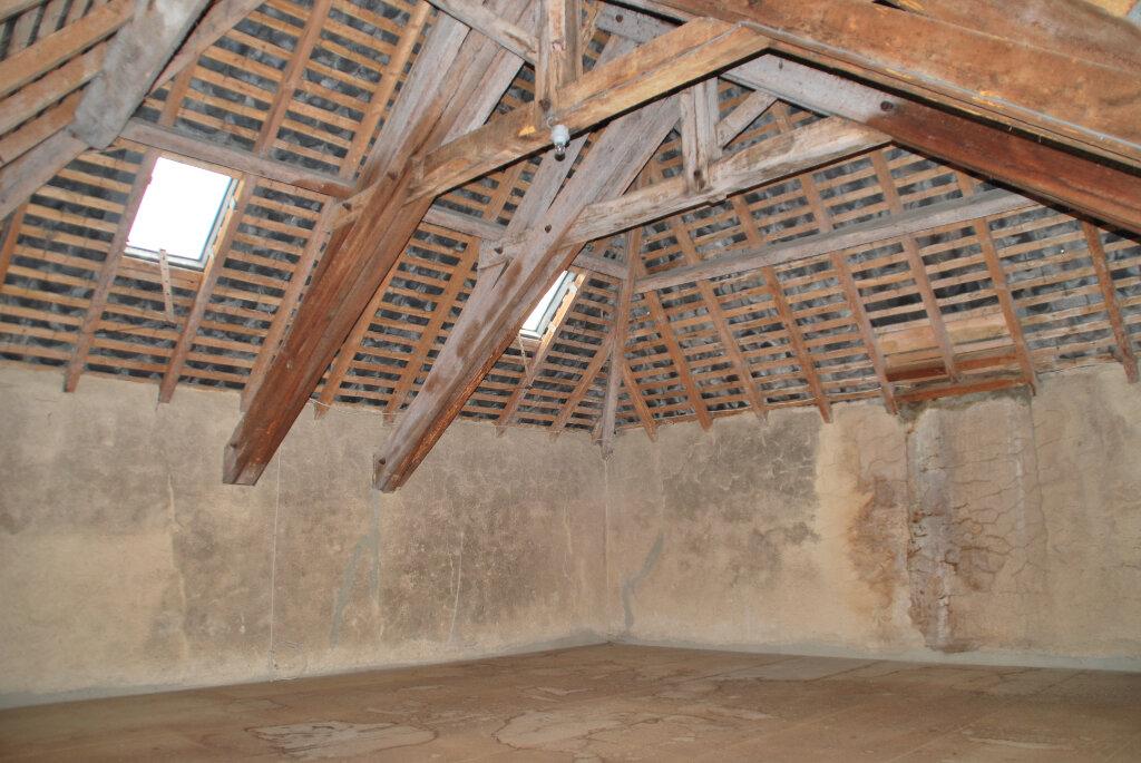 Maison à vendre 5 109.42m2 à Louin vignette-11