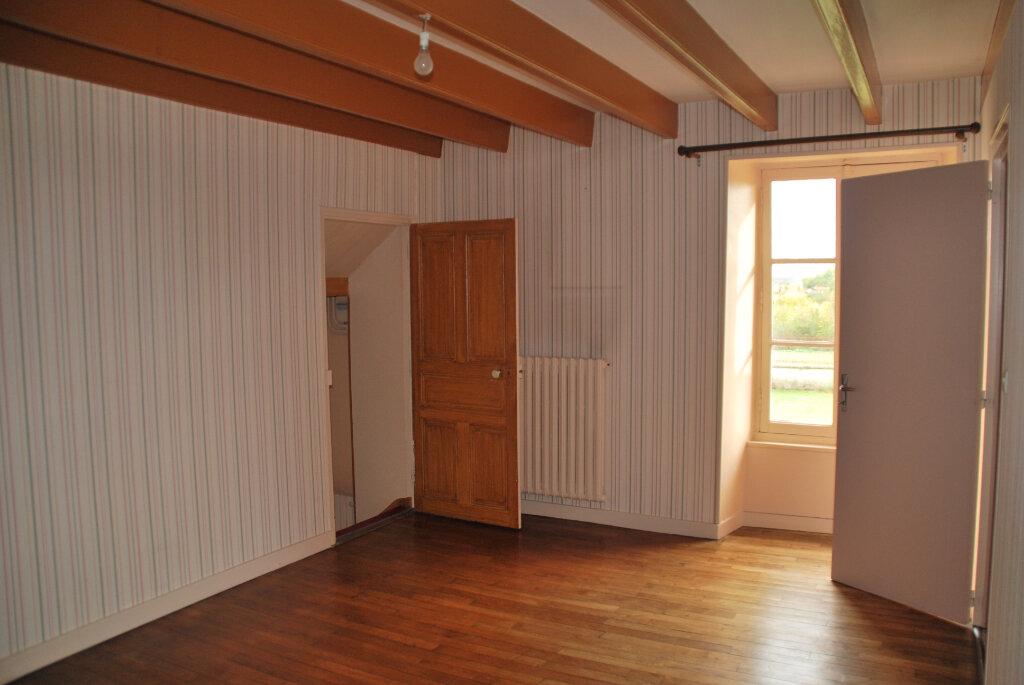 Maison à vendre 5 109.42m2 à Louin vignette-12