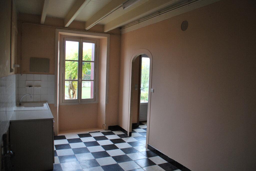 Maison à vendre 5 109.42m2 à Louin vignette-14