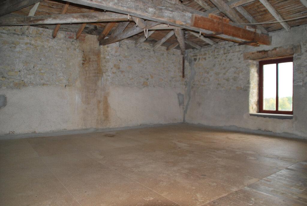 Maison à vendre 5 109.42m2 à Louin vignette-15