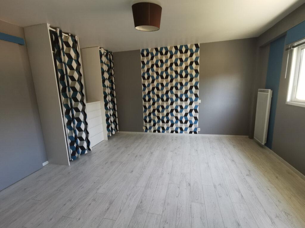 Maison à vendre 7 134m2 à Saint-Germain-de-Longue-Chaume vignette-4