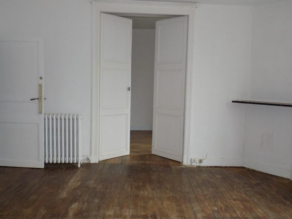 Appartement à louer 5 95m2 à Parthenay vignette-4
