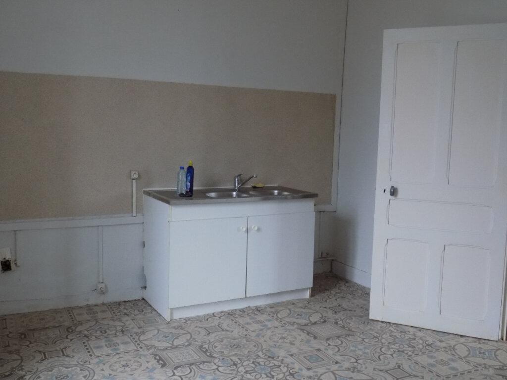 Appartement à louer 5 95m2 à Parthenay vignette-6