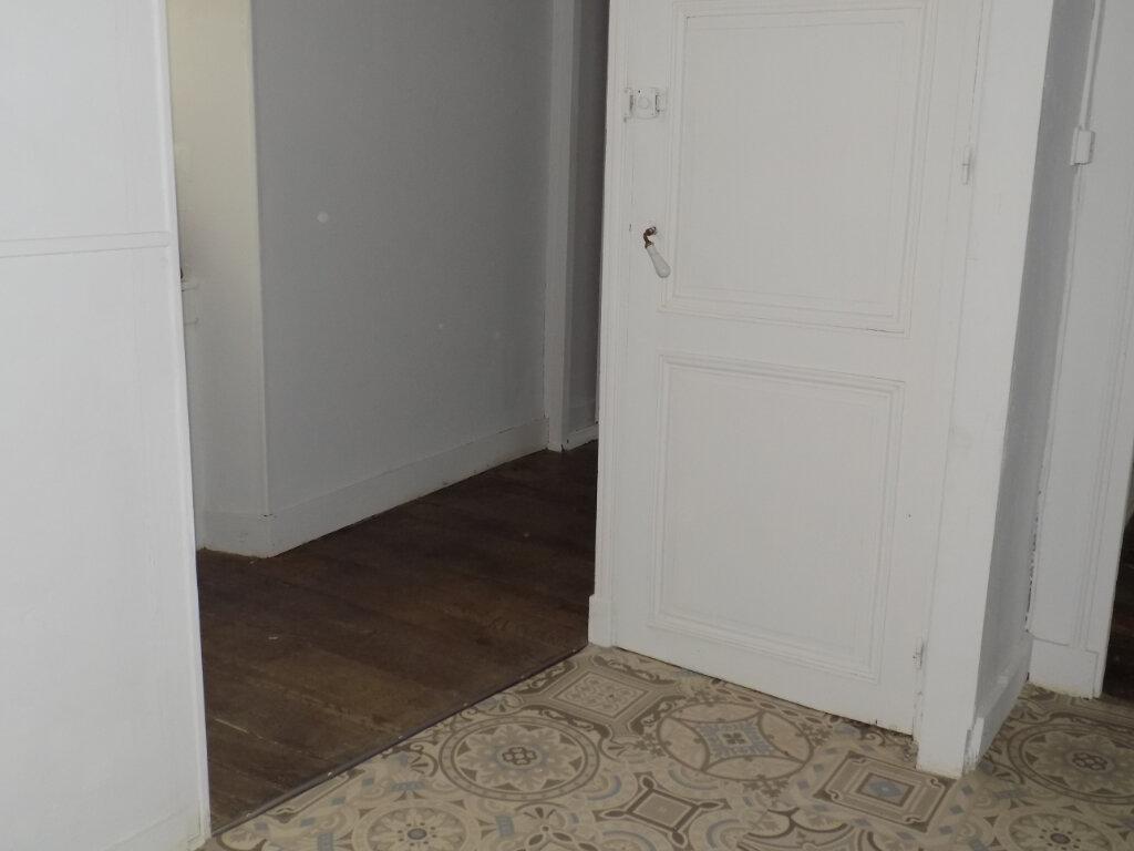 Appartement à louer 5 95m2 à Parthenay vignette-10
