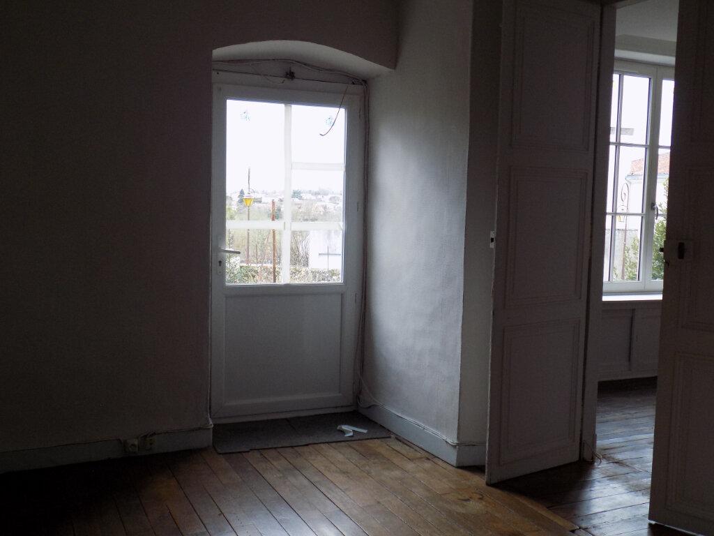 Appartement à louer 5 95m2 à Parthenay vignette-13