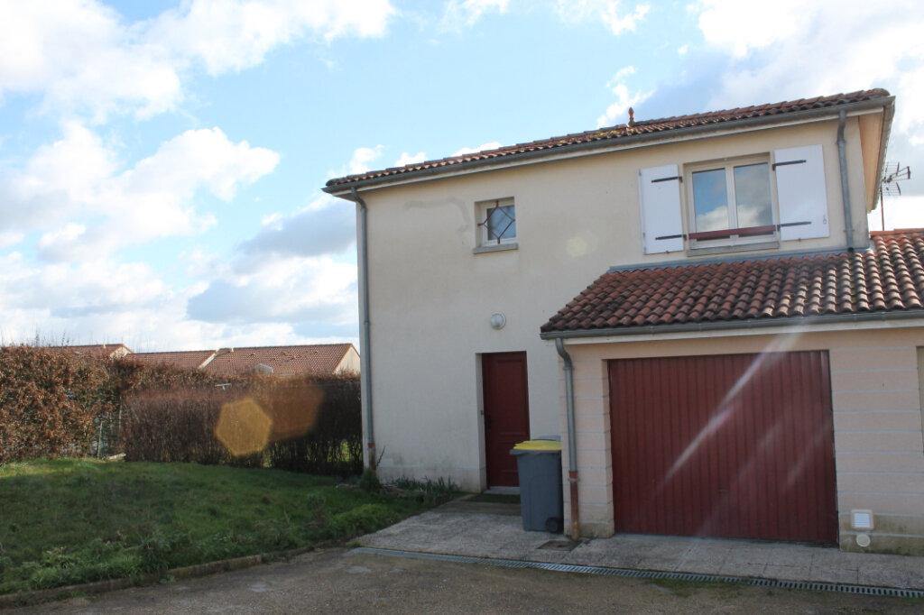 Maison à louer 4 75m2 à Amailloux vignette-2