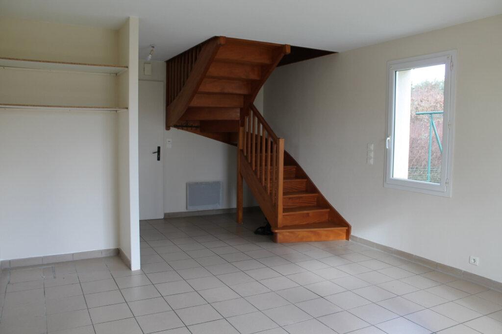 Maison à louer 4 75m2 à Amailloux vignette-4