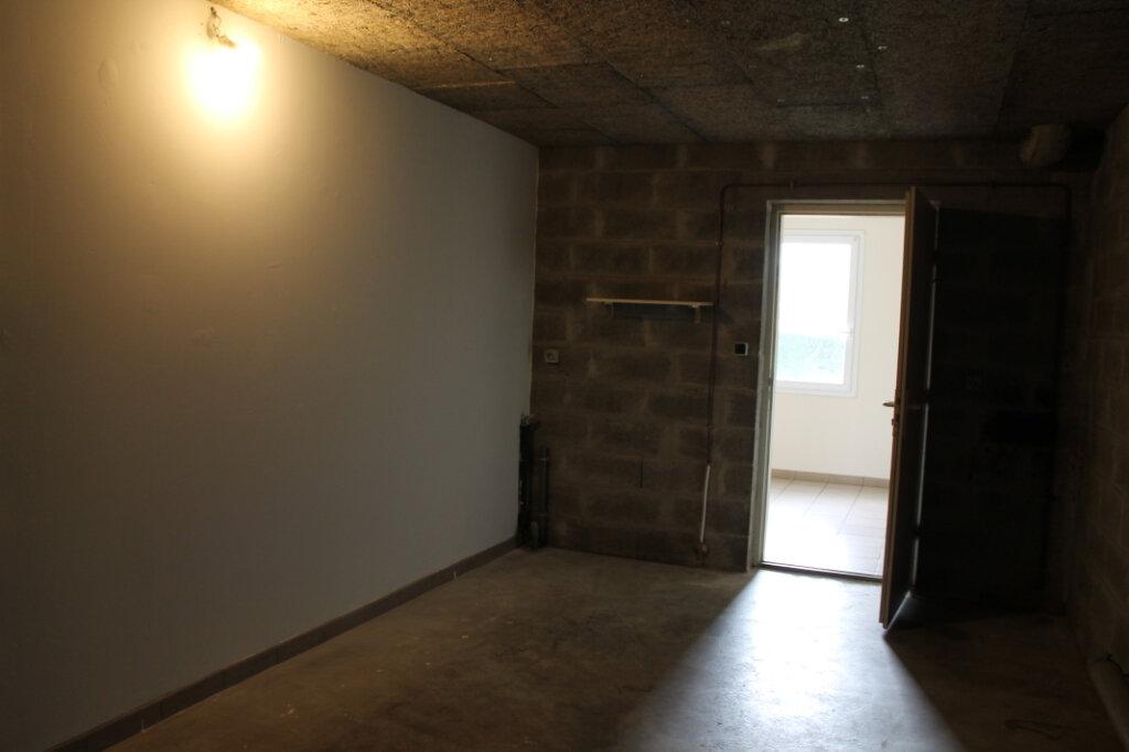 Maison à louer 4 75m2 à Amailloux vignette-8