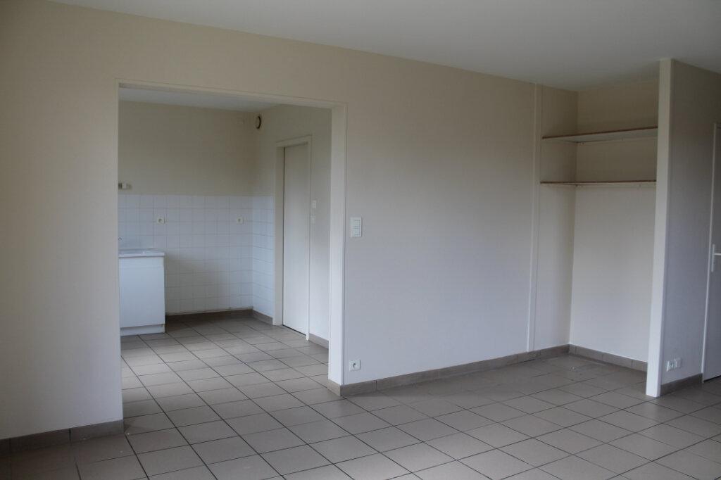 Maison à louer 4 75m2 à Amailloux vignette-12